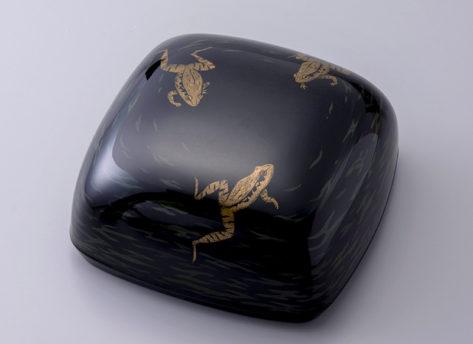 乾漆蒟醤箱「游蛙」かんしつきんまばこ ゆうけい